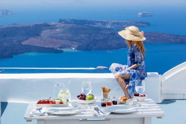 Santorini e Folegandros….mondanità e relax