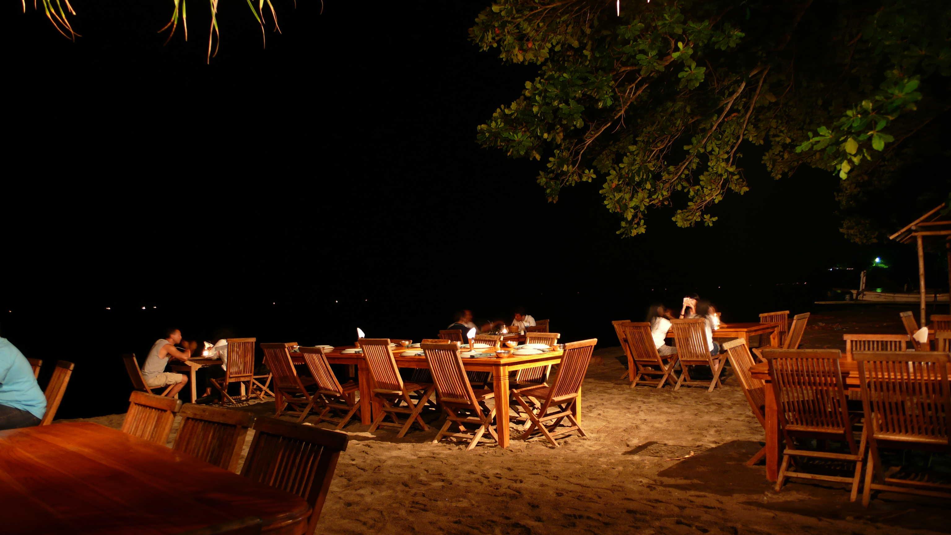 night-dinner-at-gili2