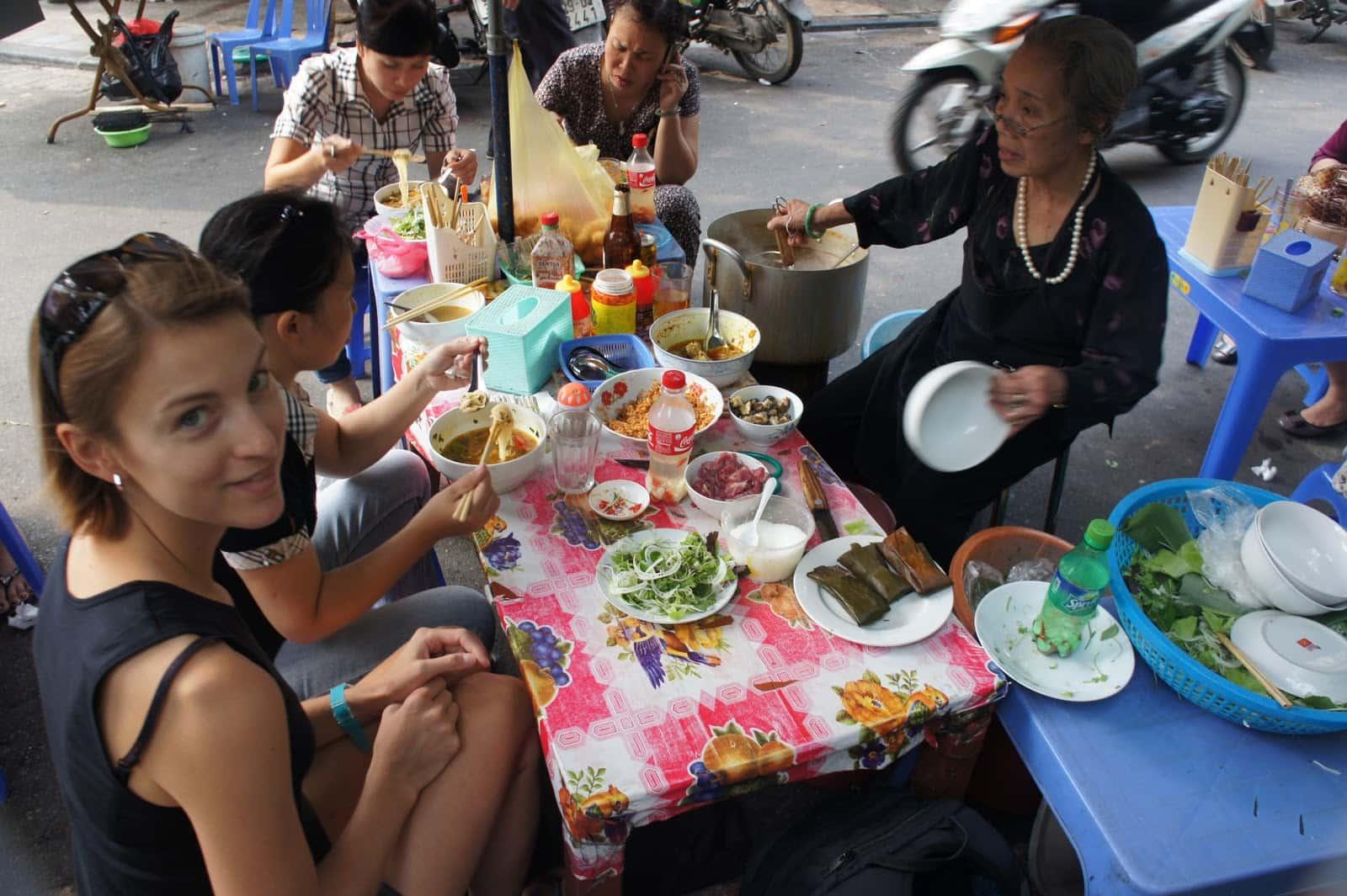 Food-stall-Hanoi
