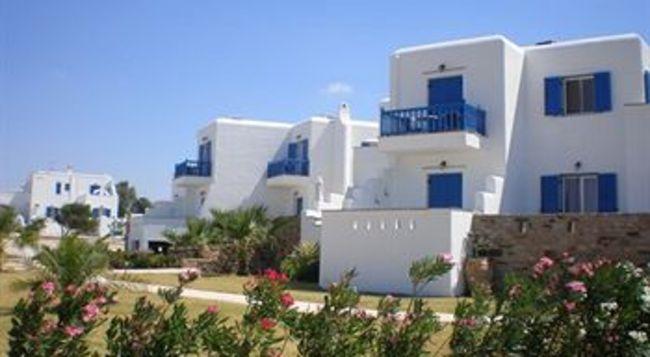 Dolpih Kastrakis studios Naxos