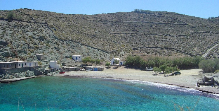 spiaggia di AGIOS-GEORGIOS