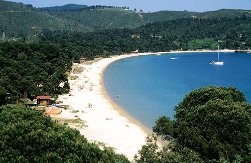 spiaggia di koukournas