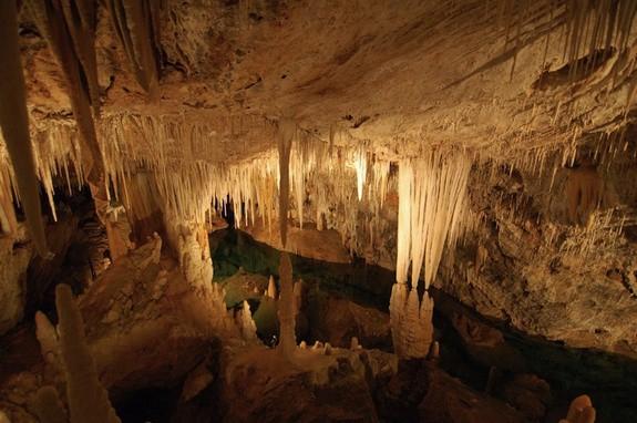 antiparos caverna