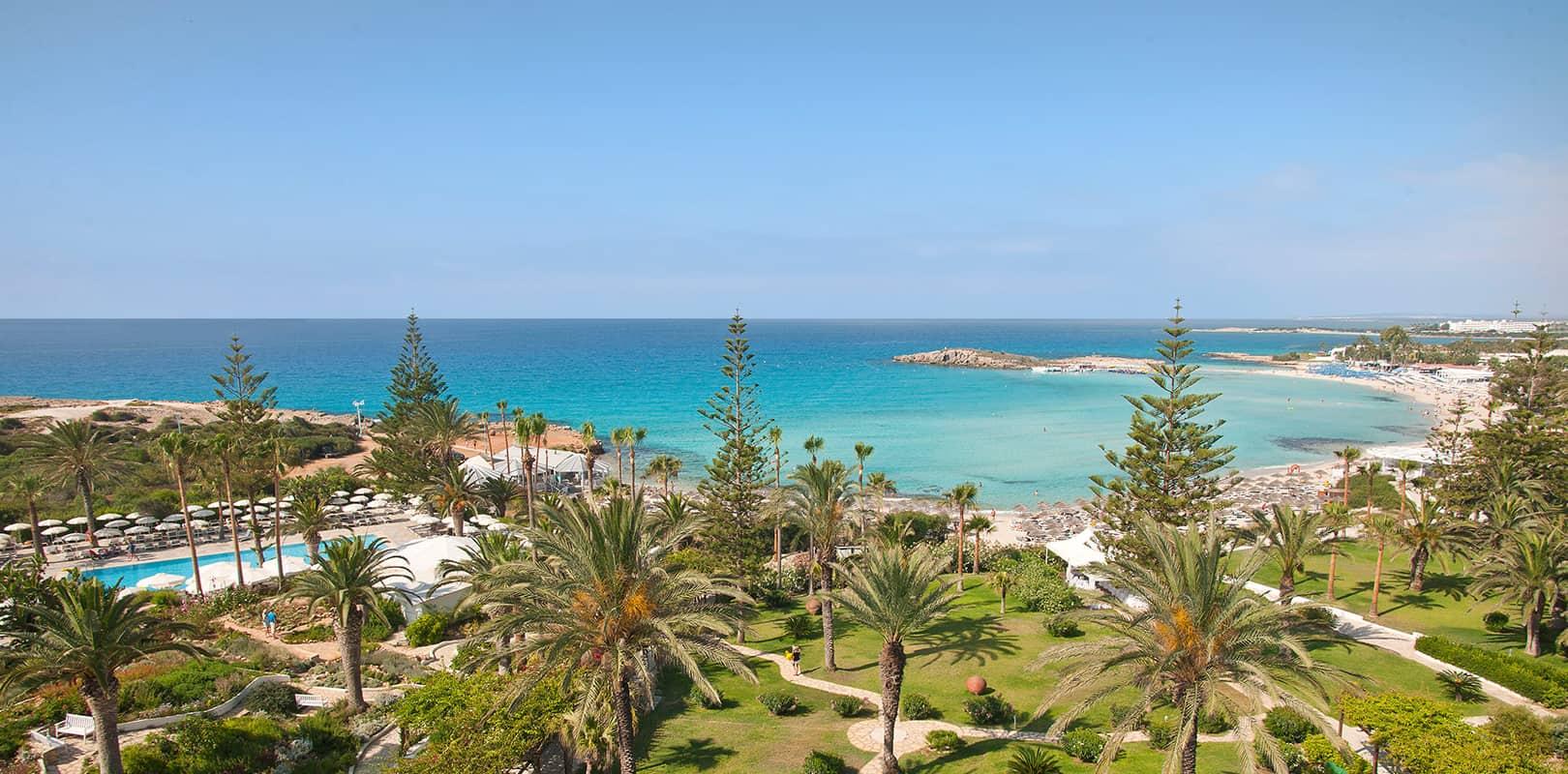 Cipro 10.000 anni di storia 300 giorni di sole l'anno